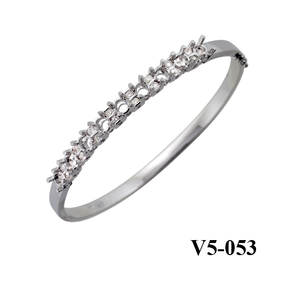 Kim Phuoc diamond bangle